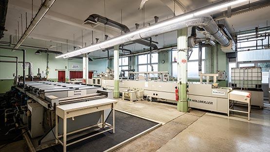 Machines de production de circuits imprimés en ligne